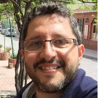 author Luciano Bornholdt