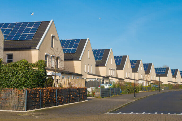 houses with solar energy
